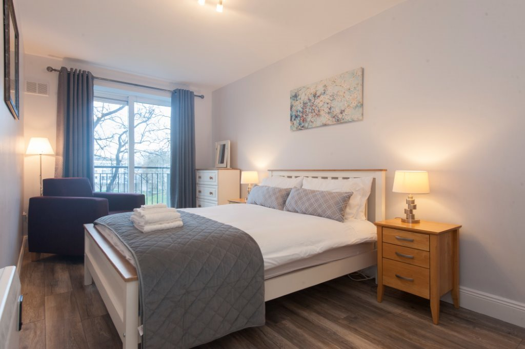 Image of a Dwellworks corporate housing bedroom