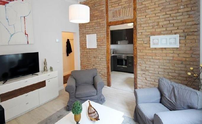 Dwellworks serviced apartment Kriegkstrasse living room