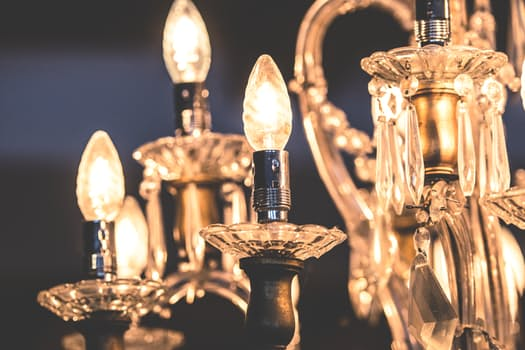 An image of a chandelier.