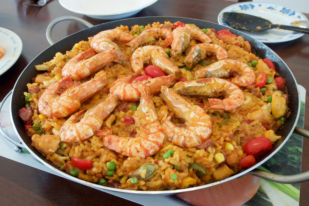 An image of paella