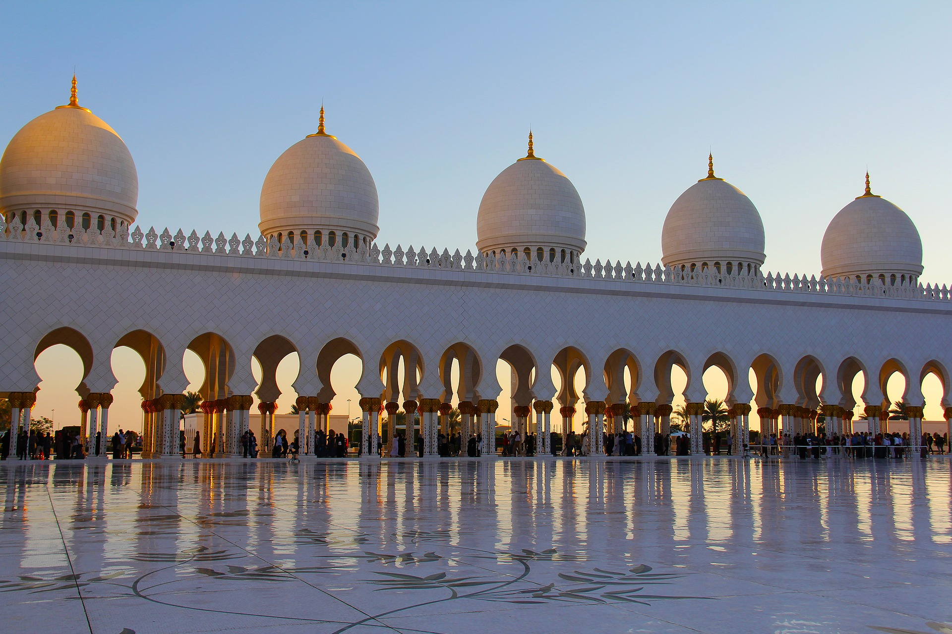 Image of the Sheikh Zayed Grand Mosque in the UAE