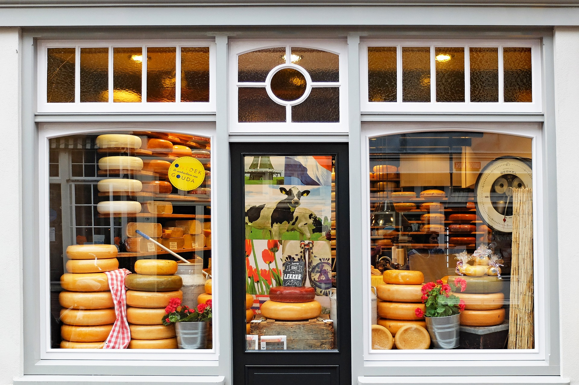 Image of a cheese shop in the Netherlands
