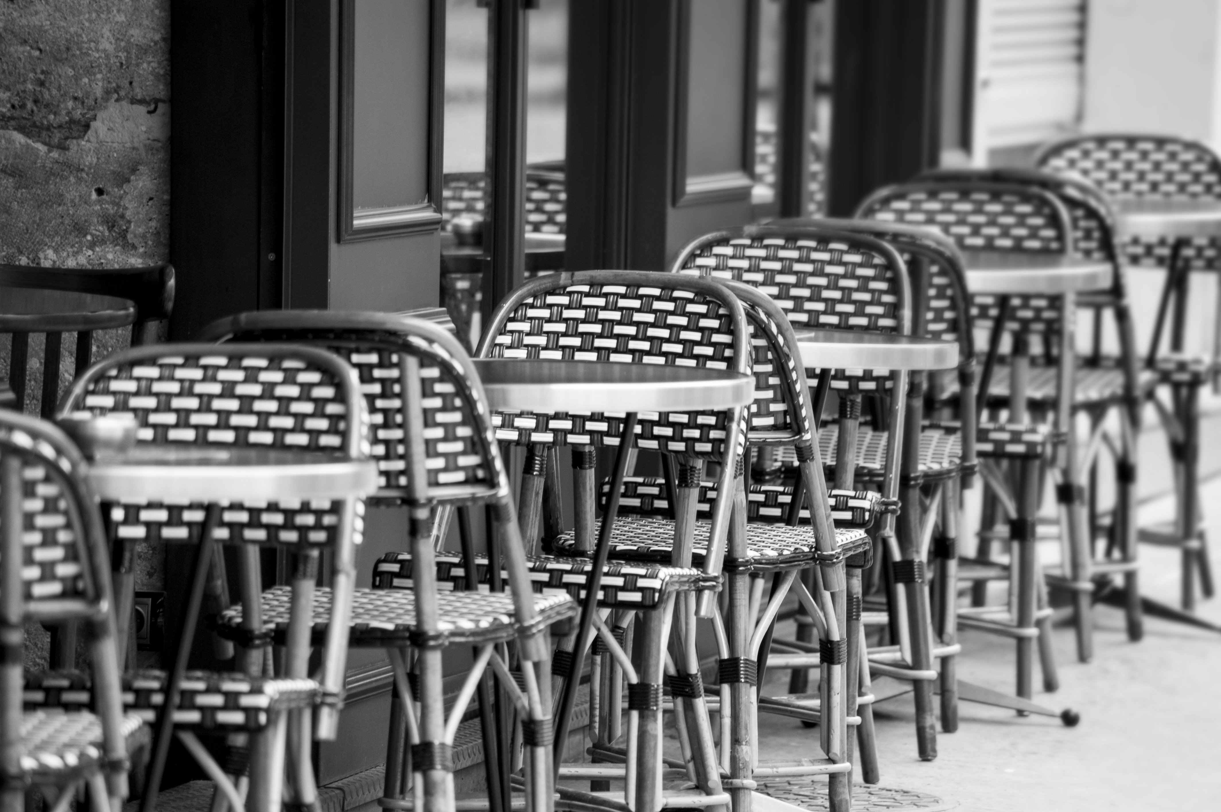 Image of a cafe in France