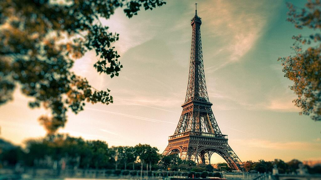 Image of the Eiffel Tower in France