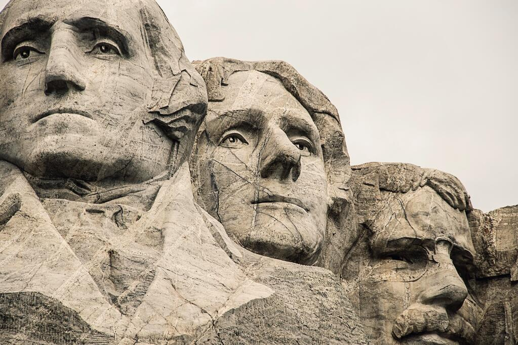 Image of Mount Rushmore in the U.S.