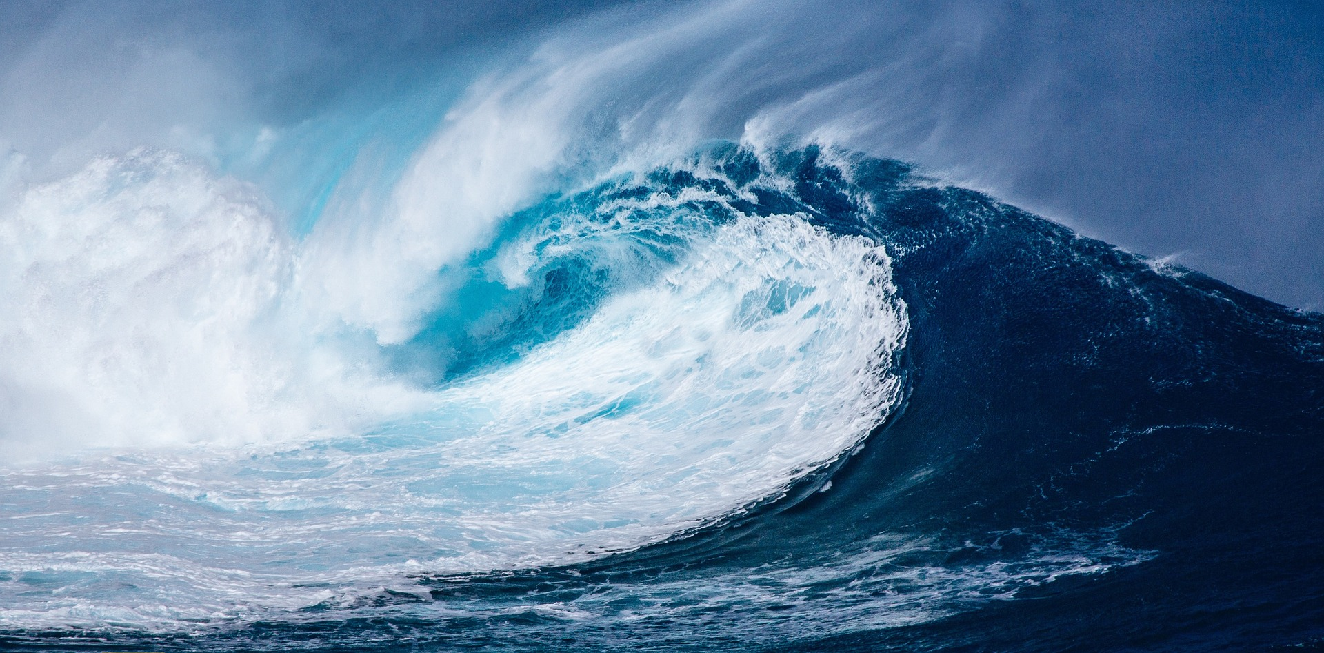 Image of a wave