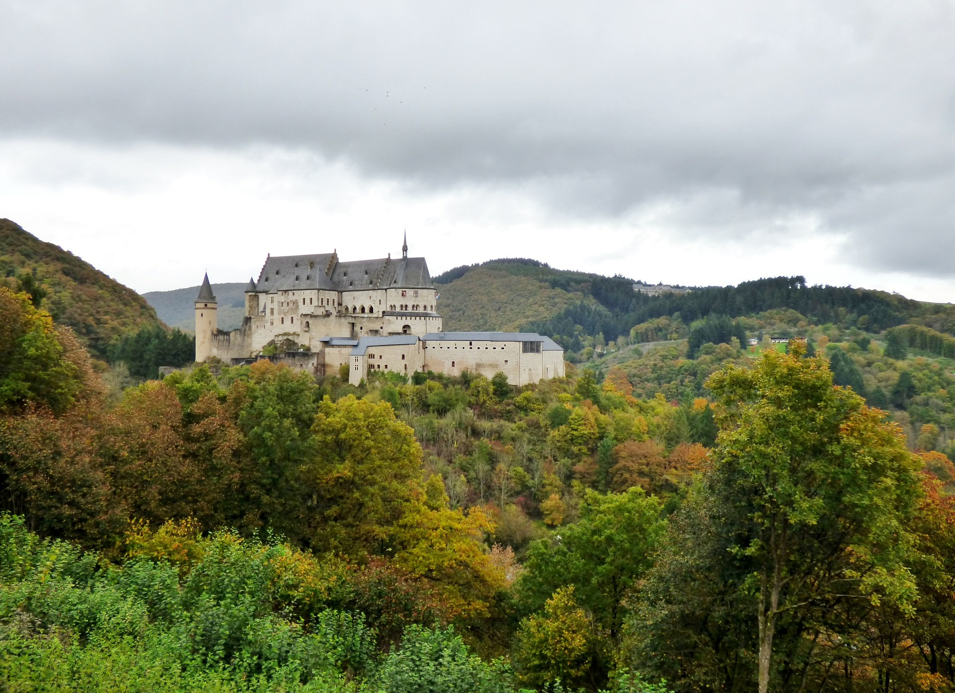 Vianden Castle (Stock).jpg