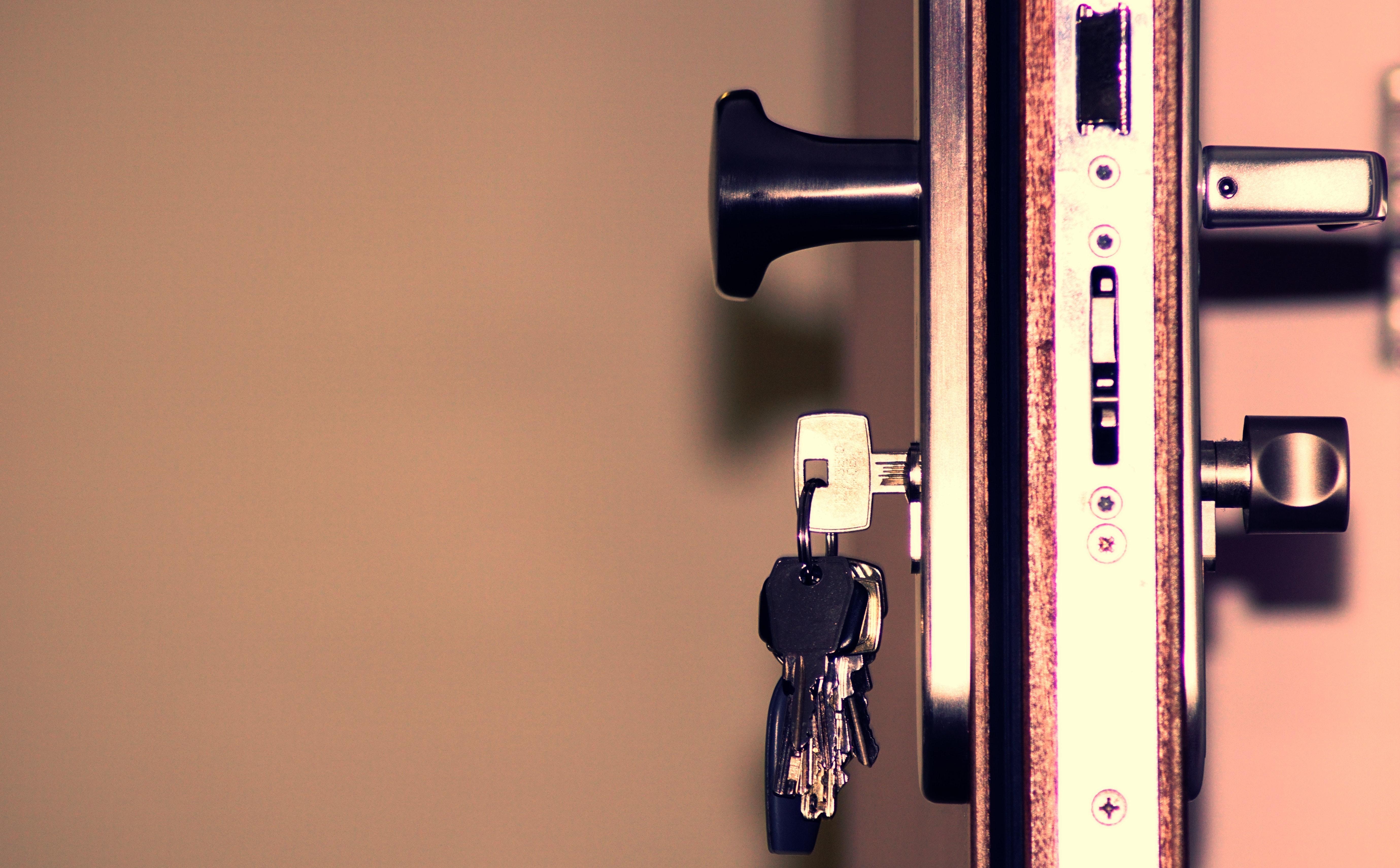 access-close-up-door-792034