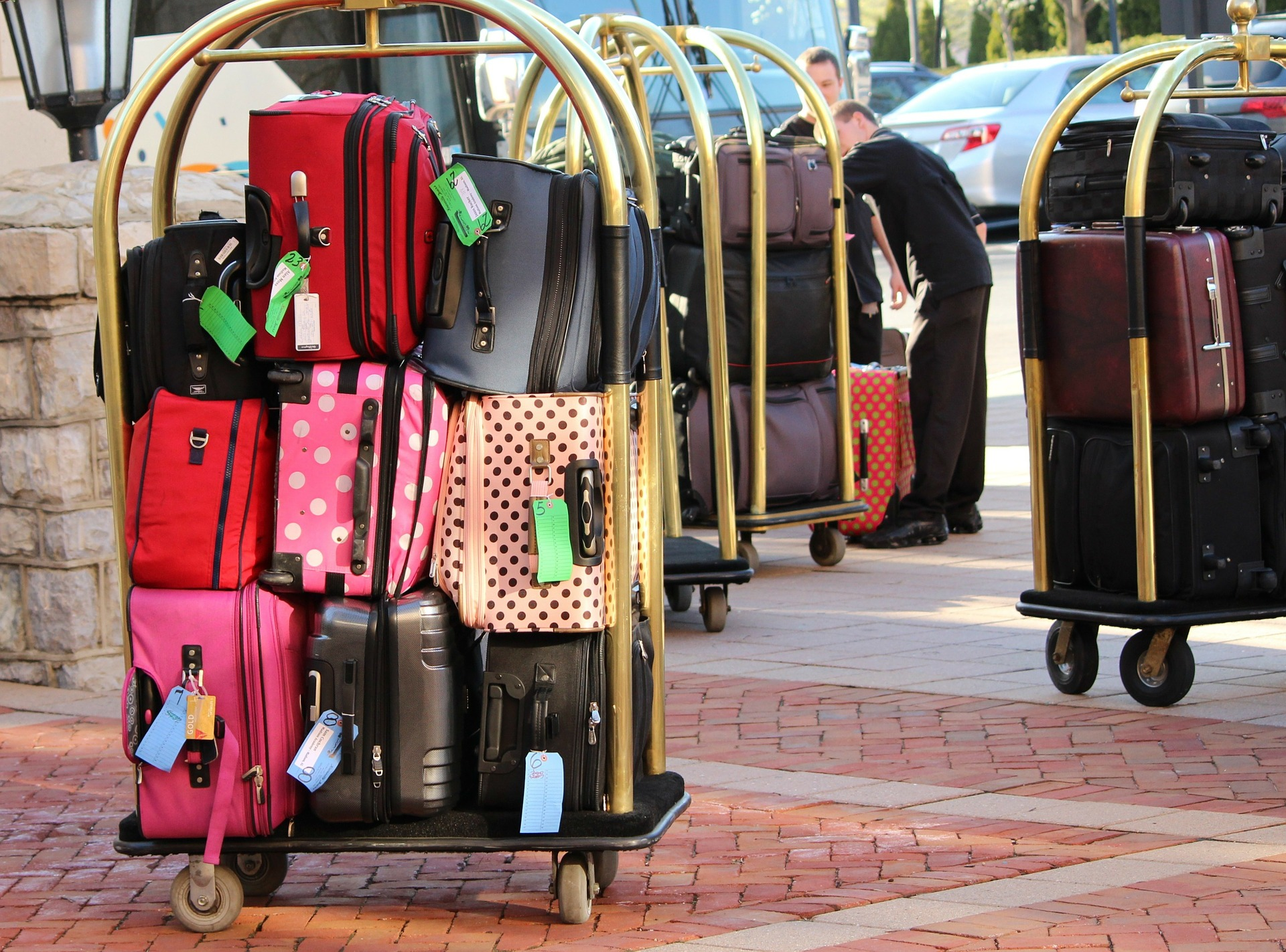 Image of luggage to be moved into corporate housing