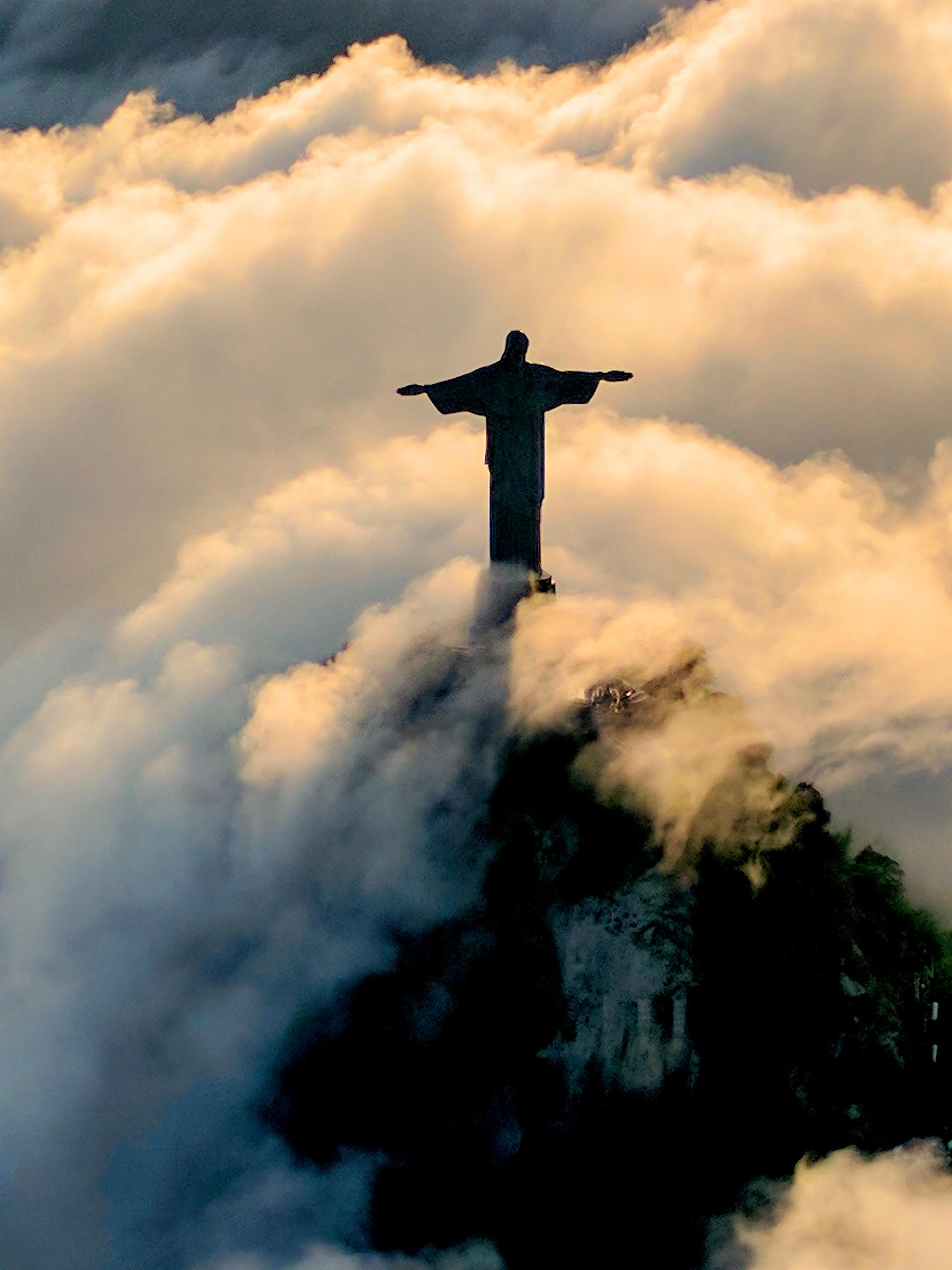 Image of the Christ the Redeemer landmark in Brazil