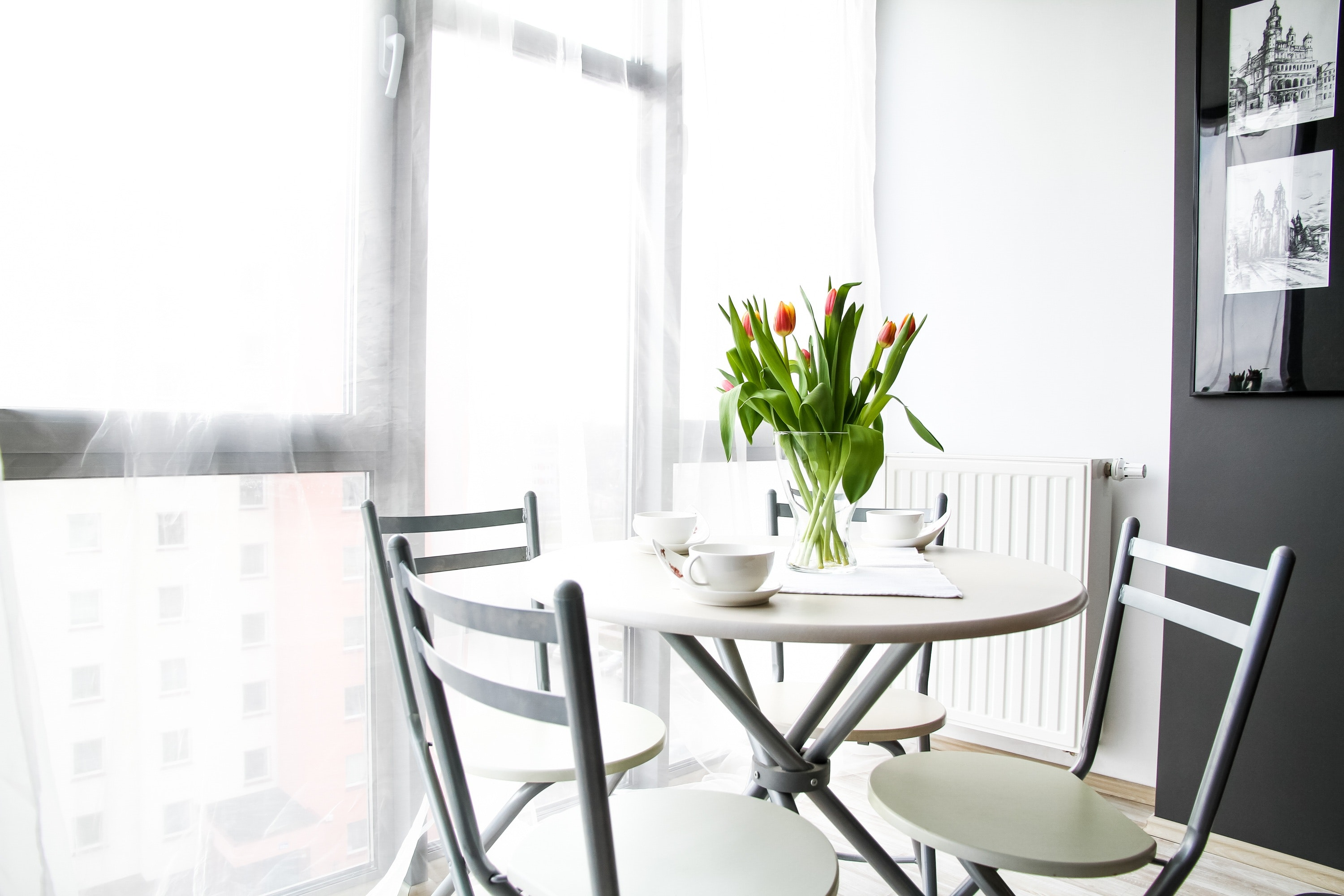 Image of a furnished kitchen in a rental apartment