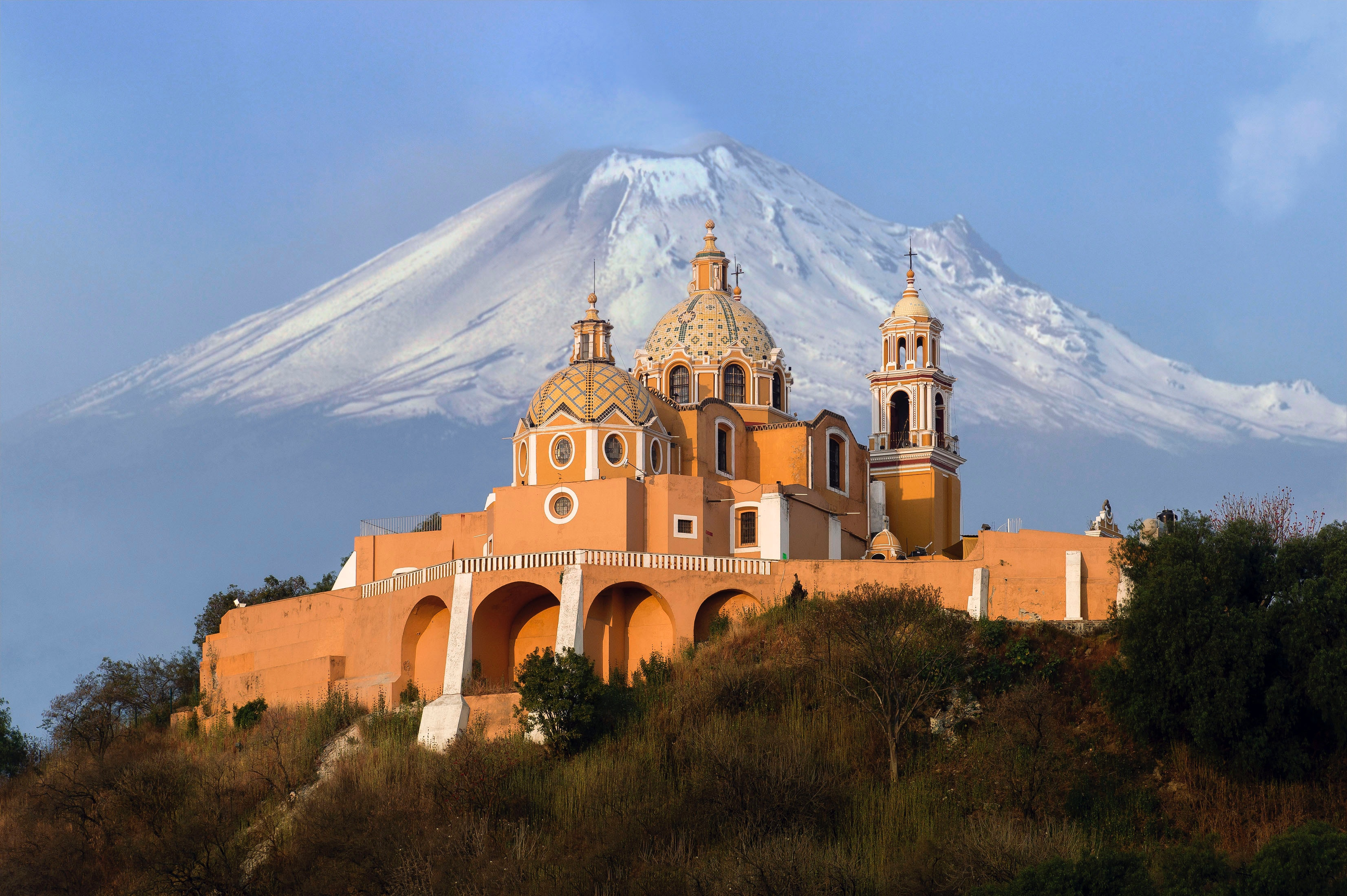 Image of a Catholic church in Mexico